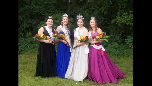 Second Princess Ava Larson, First Princess Ellen Meagher, Queen Brooke Moorse and Second Princess.