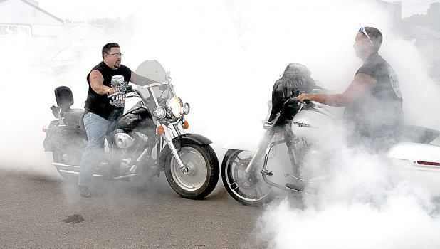"""""""The Burn"""" is one of the most popular events of the Memorial Run at Minneota. These two did it head-to-head."""