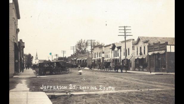 Main Street Minneota in 1914.